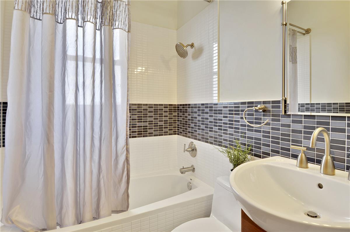 Floor Plan-Bath-_DSC8812.jpg