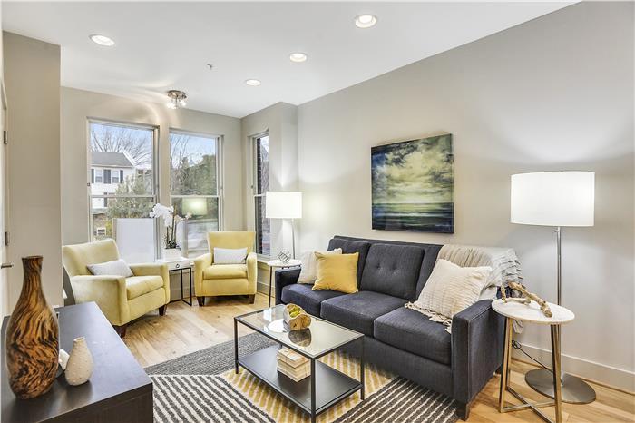 Main Level-Living Room-KRS5960.JPG