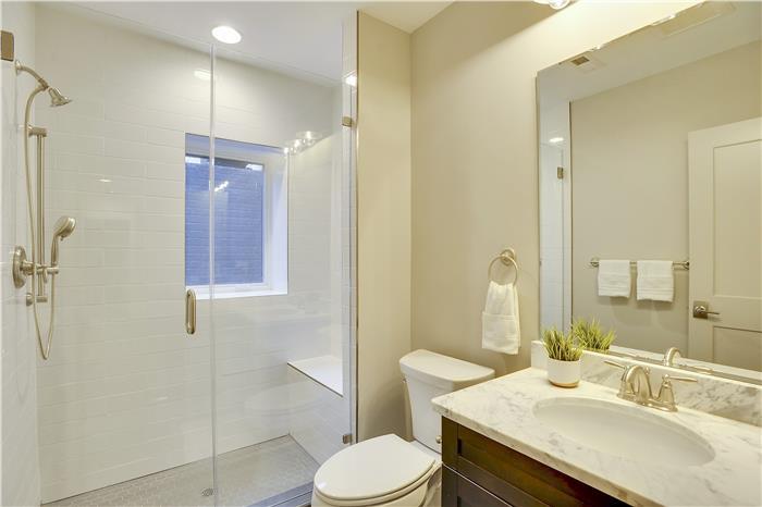 Lower Level-Master Bath-KRS6132.JPG