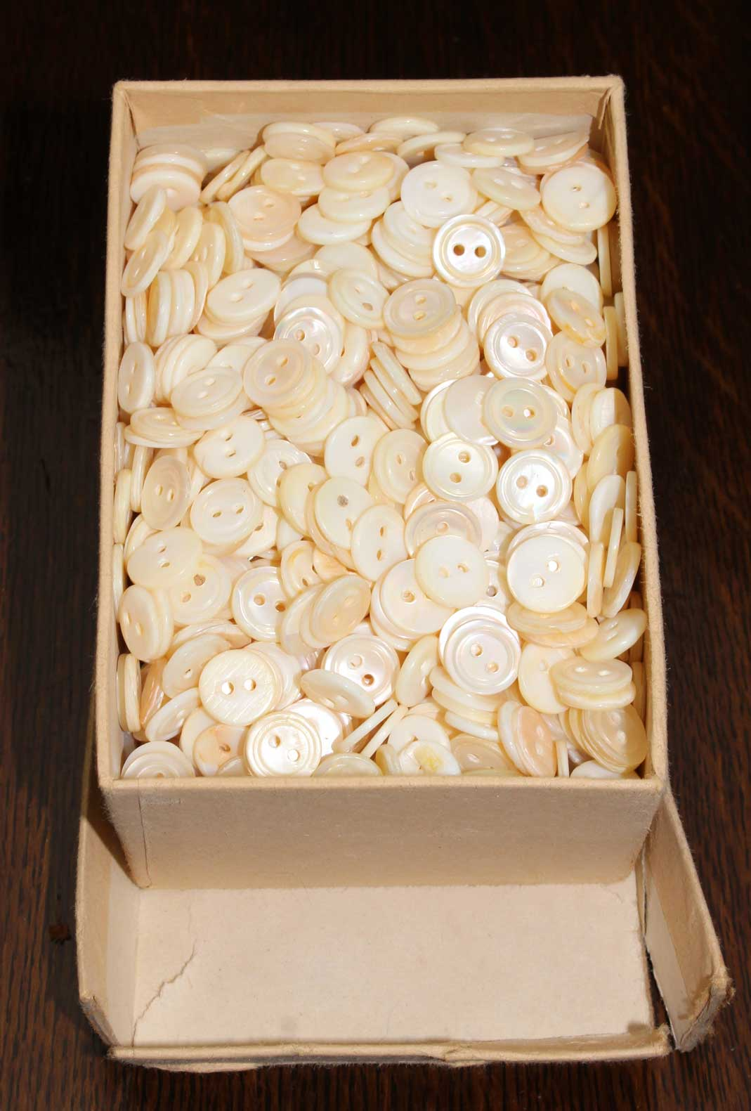 2-hole Mother of Pearl Shirt Buttons