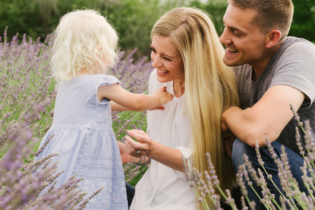 professional natural posing family photography
