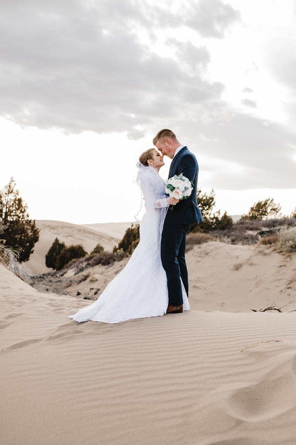 rexburg idaho adventurous wedding photographer bridals and formals sand dunes calli richards photographer