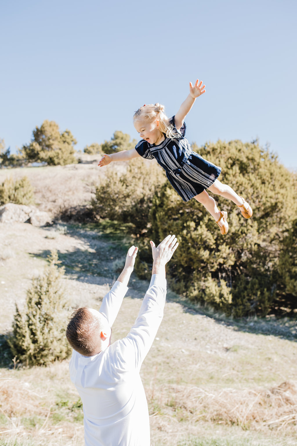 family photographer good with kids green canyon northern utah logan cache valley