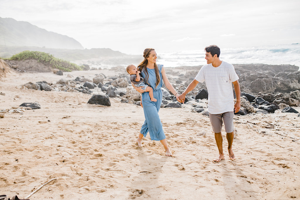 family pictures on the beach in hawaii honolulu family photographer available for travel couples photography engagements