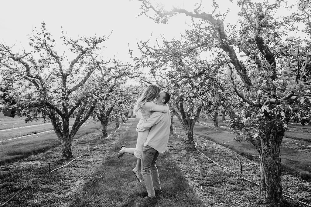 calli richards professional engagement photography logan utah relaxed session orchard black and white