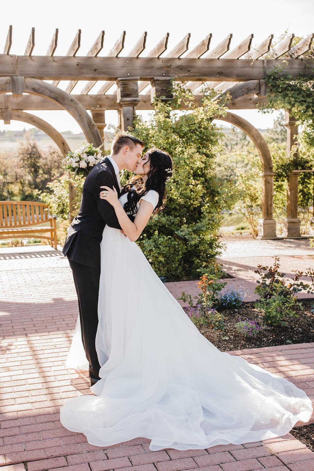 professional wedding photos garden formal photographer in salt lake city utah calli richards