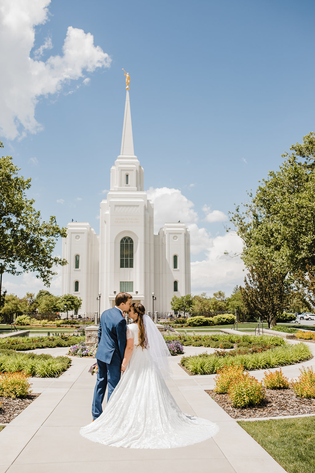 lds temple brigham city utah summer wedding professional wedding photographer in brigham city calli richards