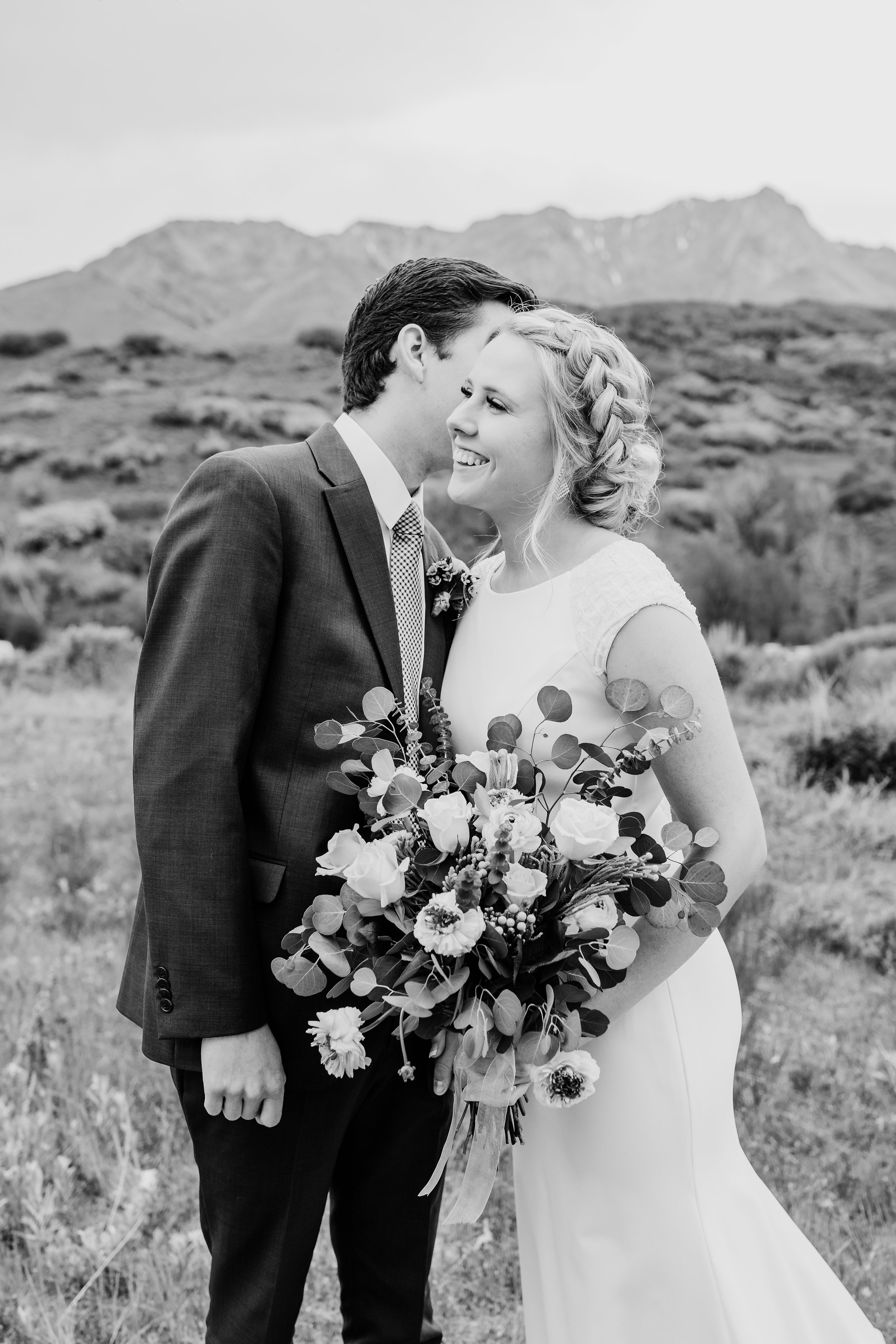 black and white bright image wedding day photography by calli richards in boulder co northern colorado wedding photographer