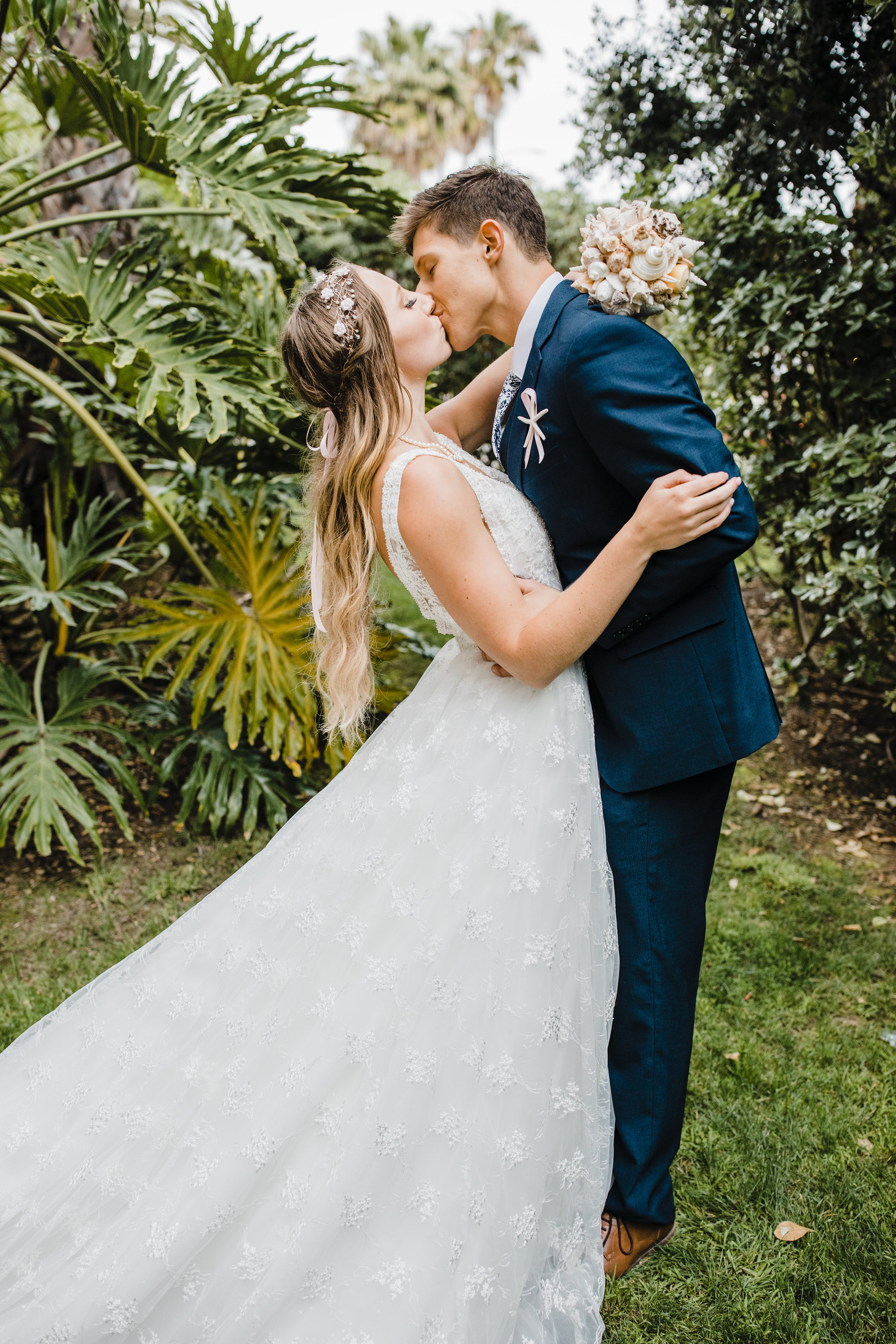 adventurous wedding photographer in boulder colorado capturing organic moments all throughout the wedding day calli richards