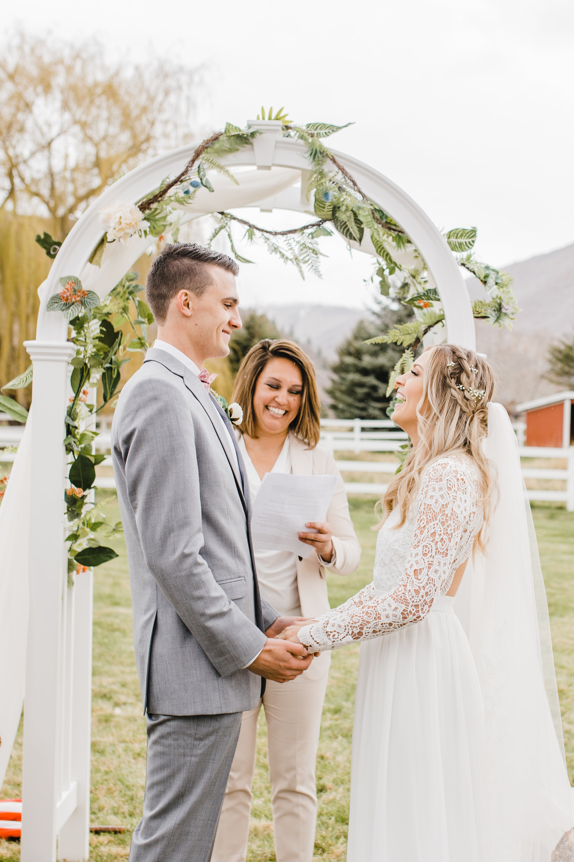 northern colorado wedding photographer boulder co calli richards bride and groom outdoor wedding ceremony