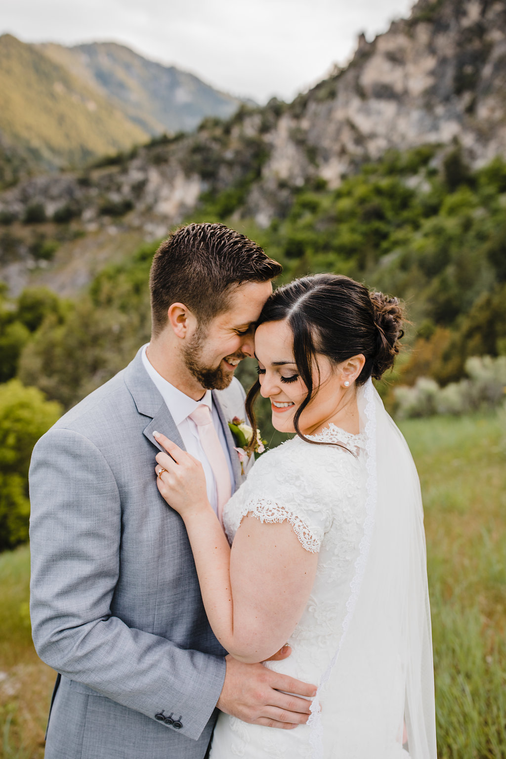 bride and groom green mountains wedding photography