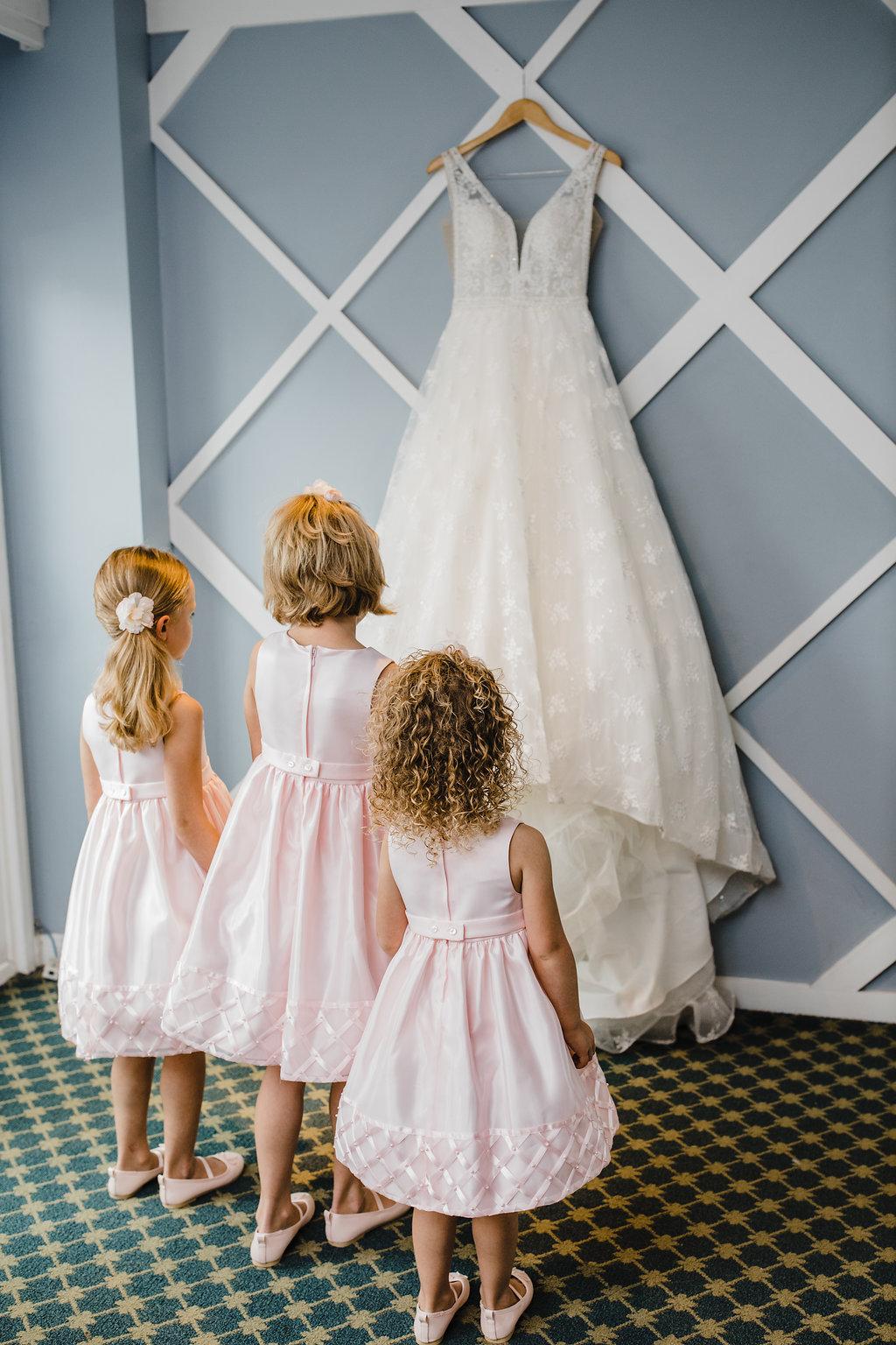 flower girls with wedding dress los angeles wedding photography