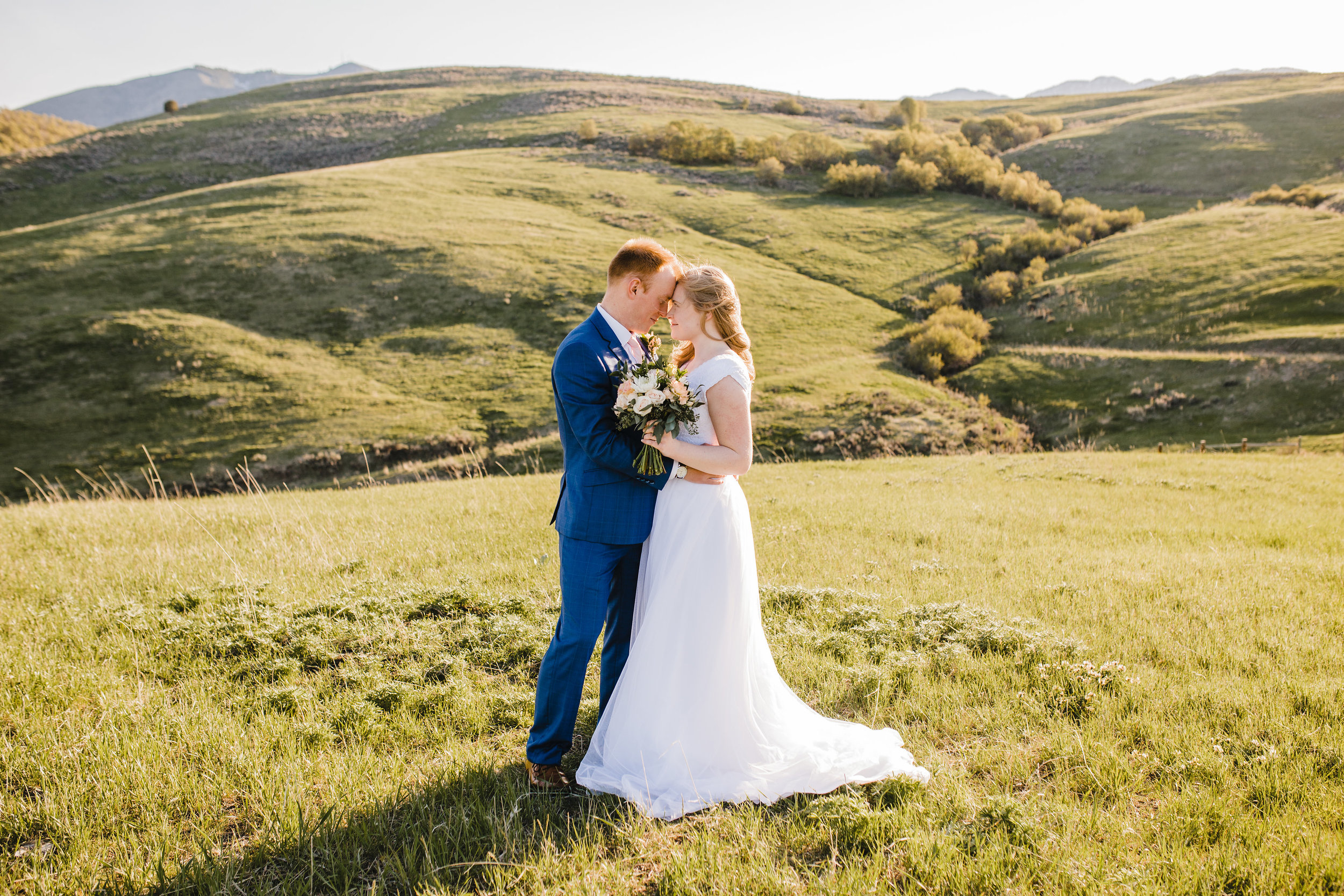 Best Professional Wedding Photographer in Aurora Colorado Wedding Bridals Outdoor Wedding Modest Wedding Dress Wedding Bouquet