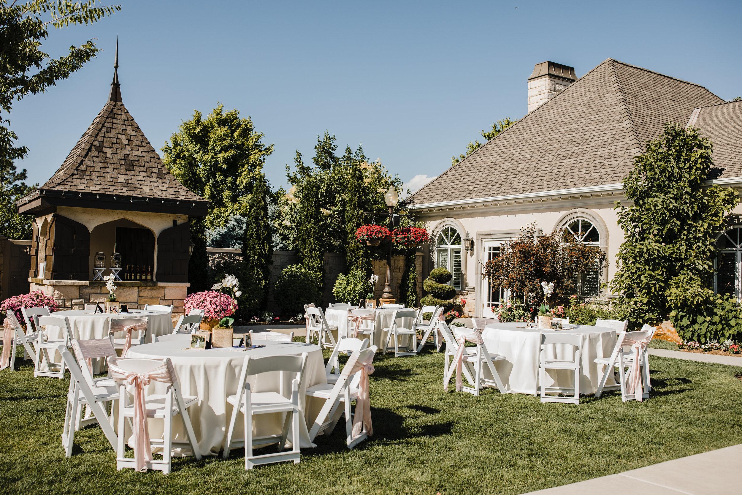 utah valley wedding photographer reception sandy outdoor tables