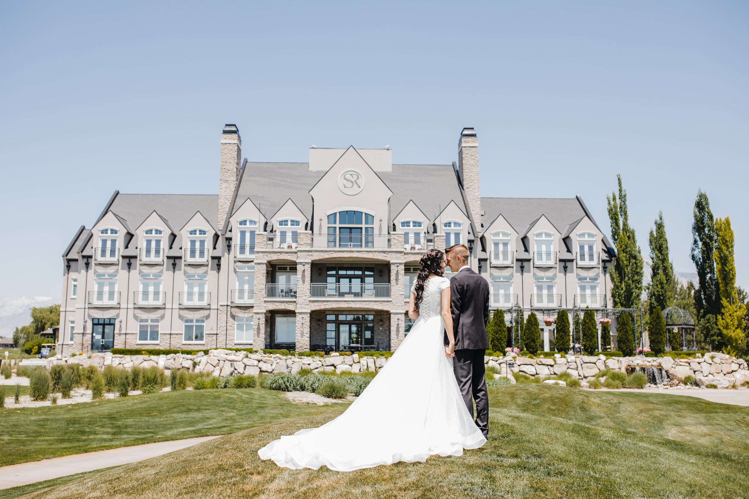 sleepy ridge golf course wedding day venue bride and groom orem utah wedding photographer calli richards