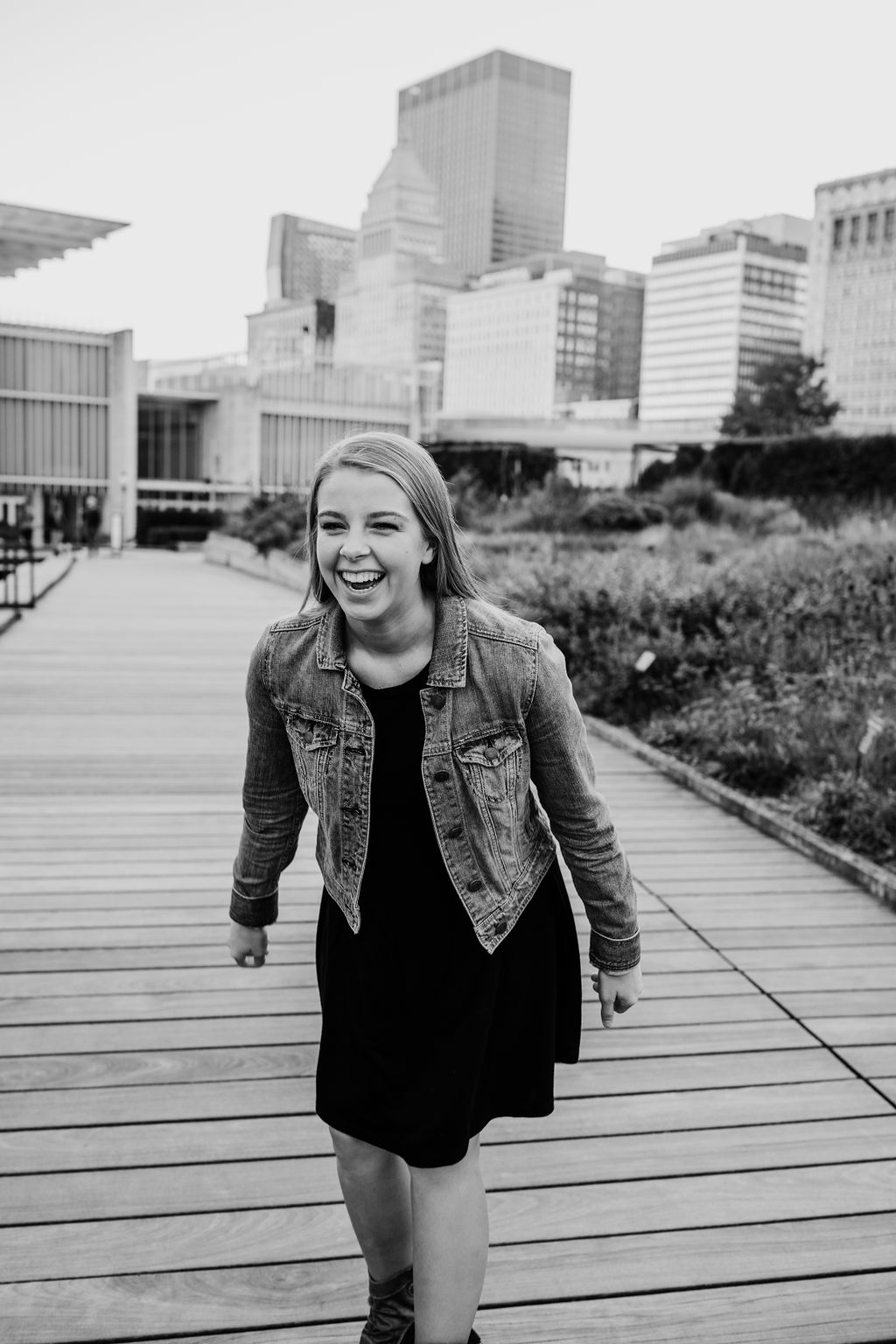city scape senior portraits laughing playful chicago illinois professional photographer