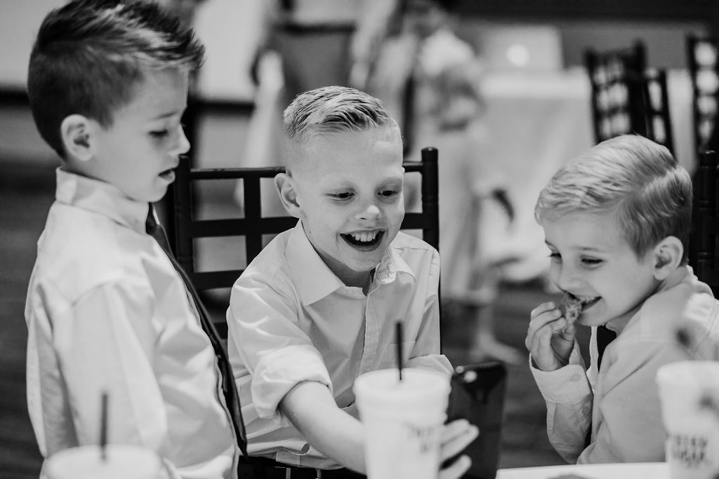 wedding reception ogden utah kids table laughing sodas