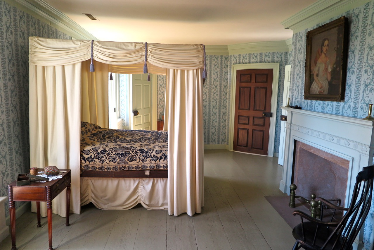 Eustis bedroom photo by Andrew Saxe.JPG
