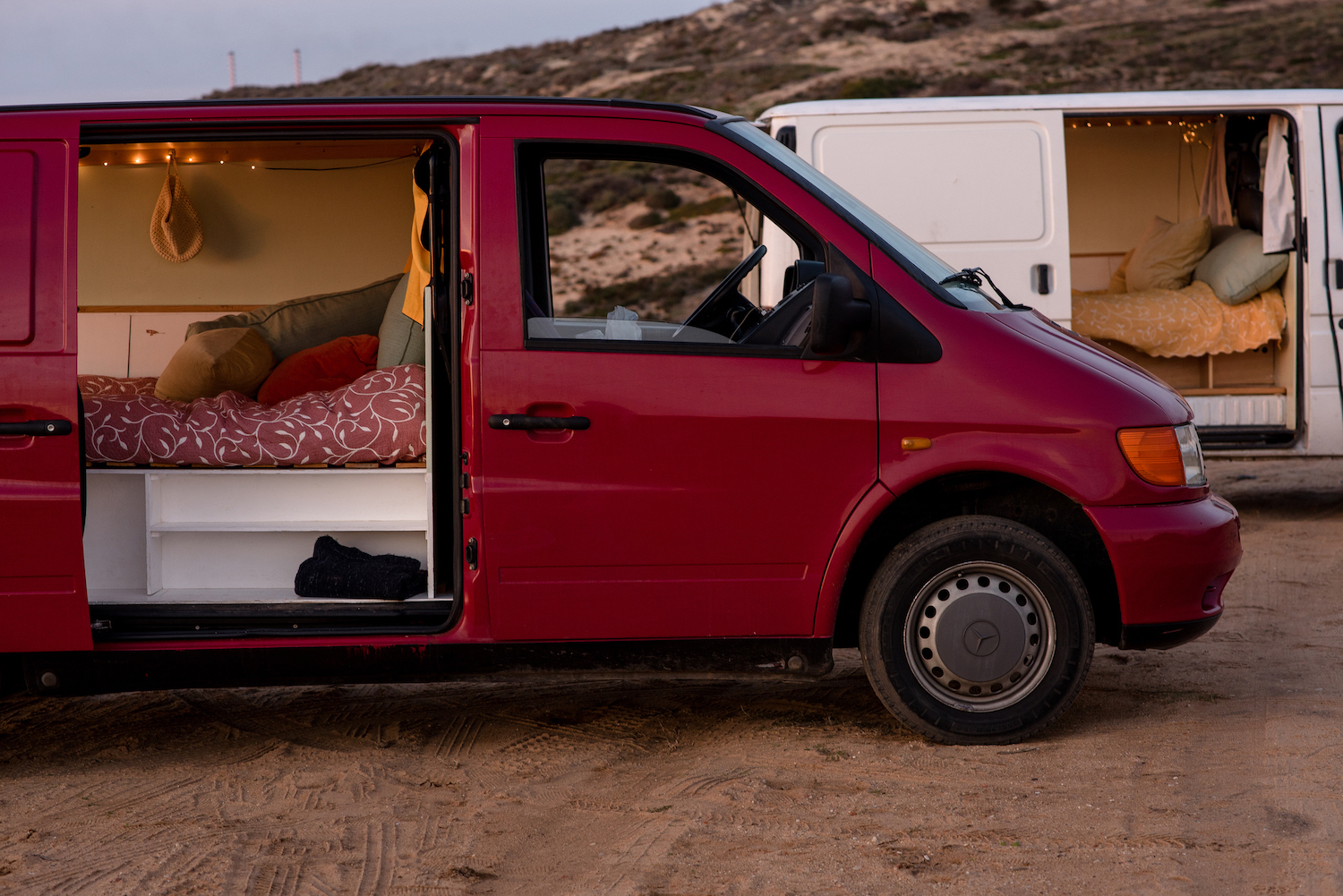 Van rent Portugal 4.jpg