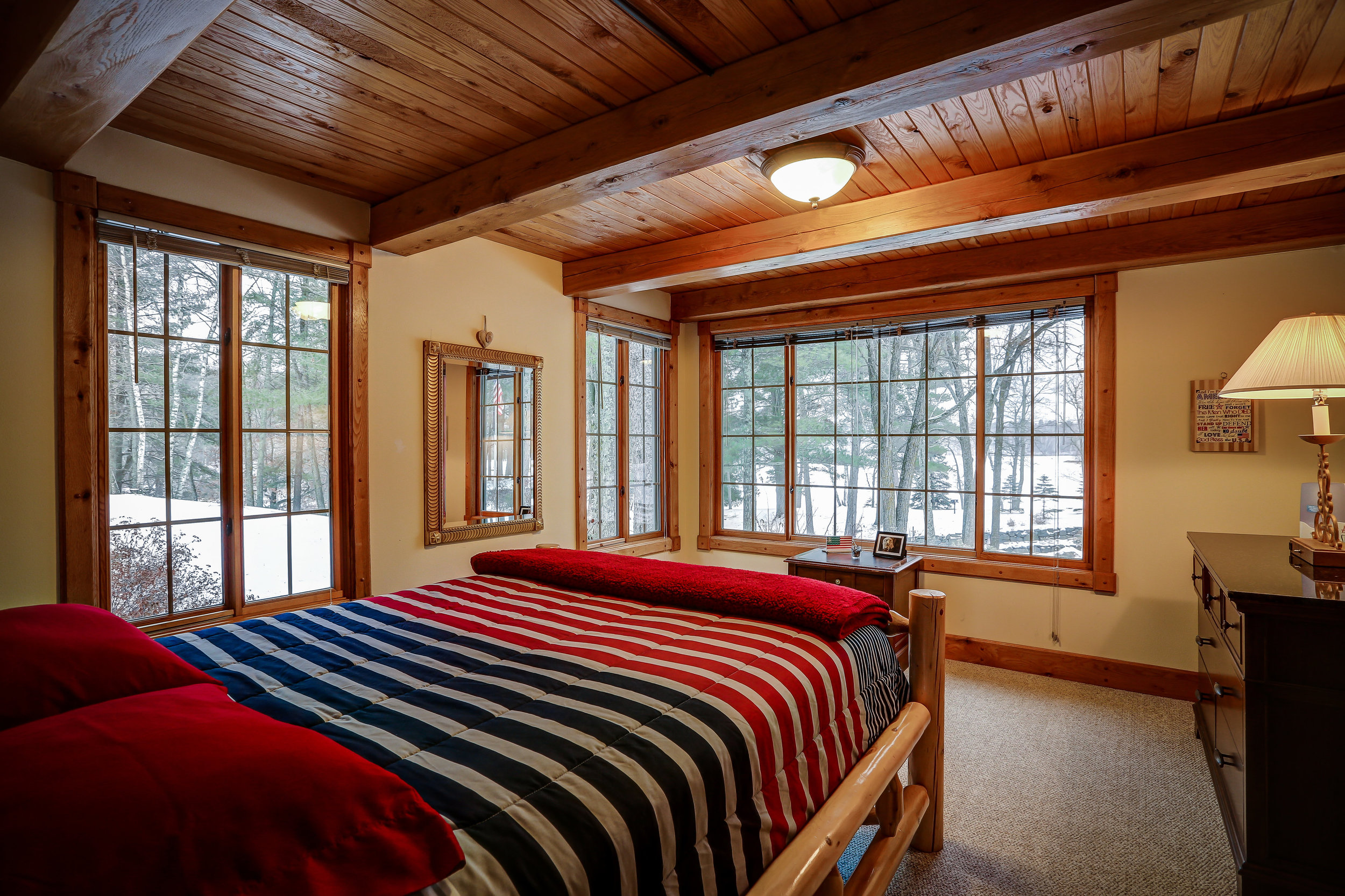 Americana Room - Main Level | Queen bed and shared bathroom in hallway
