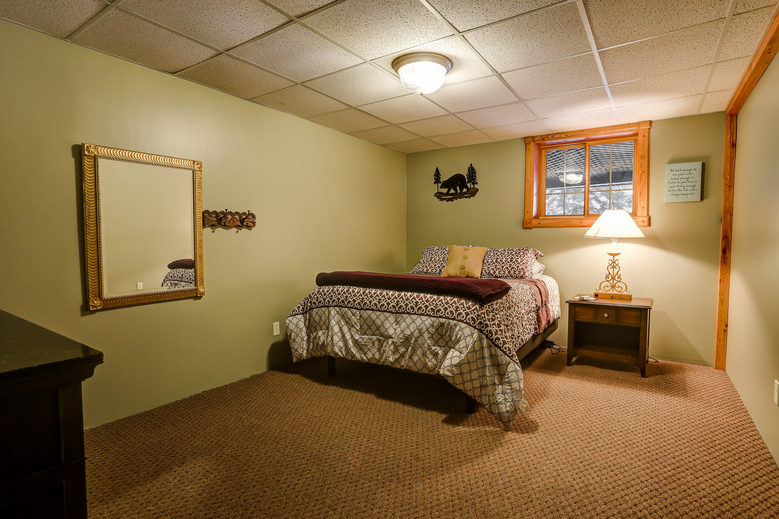 Bear's Den Room - Downstairs | Queen bed and shared bathroom in hallway