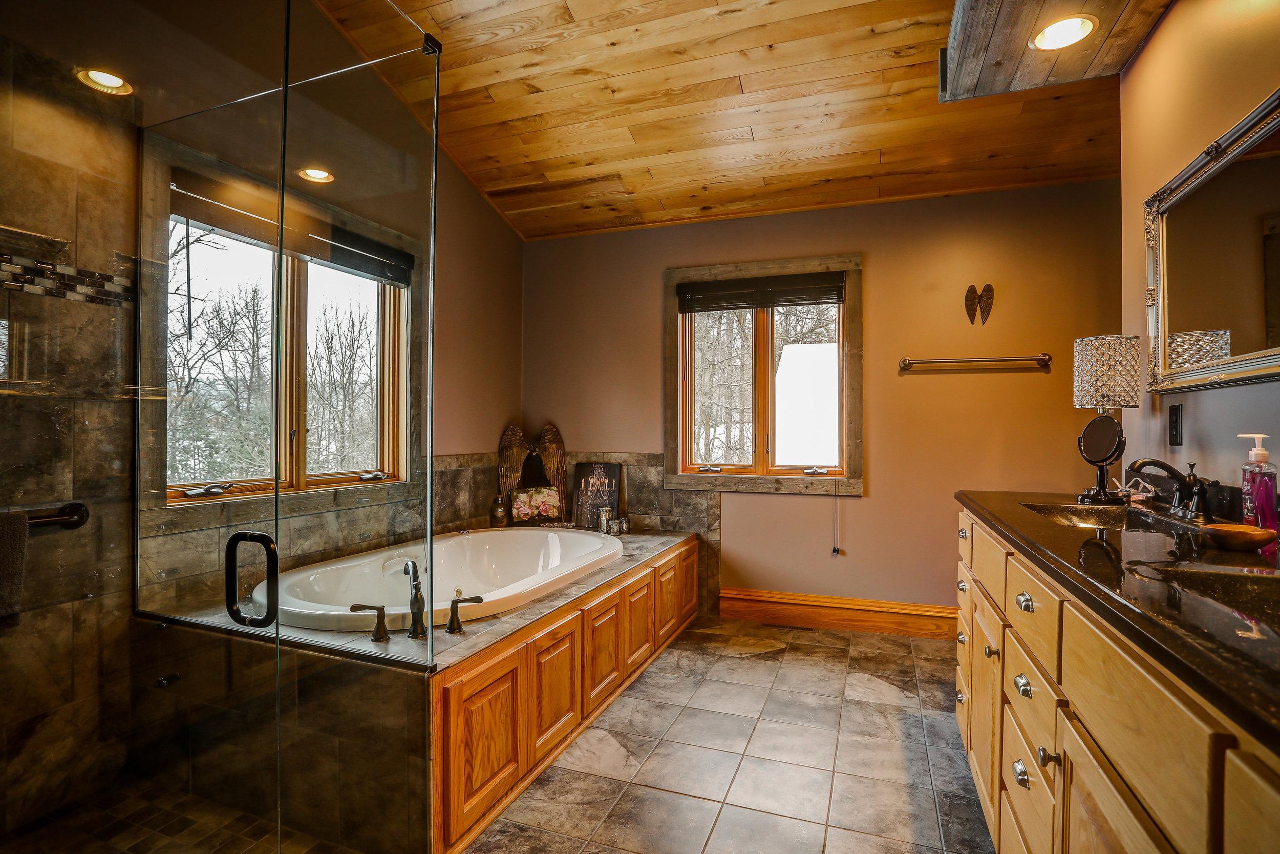 Upstairs Master Ensuite Bath - Upstairs | Full Ensuite Master Bathroom