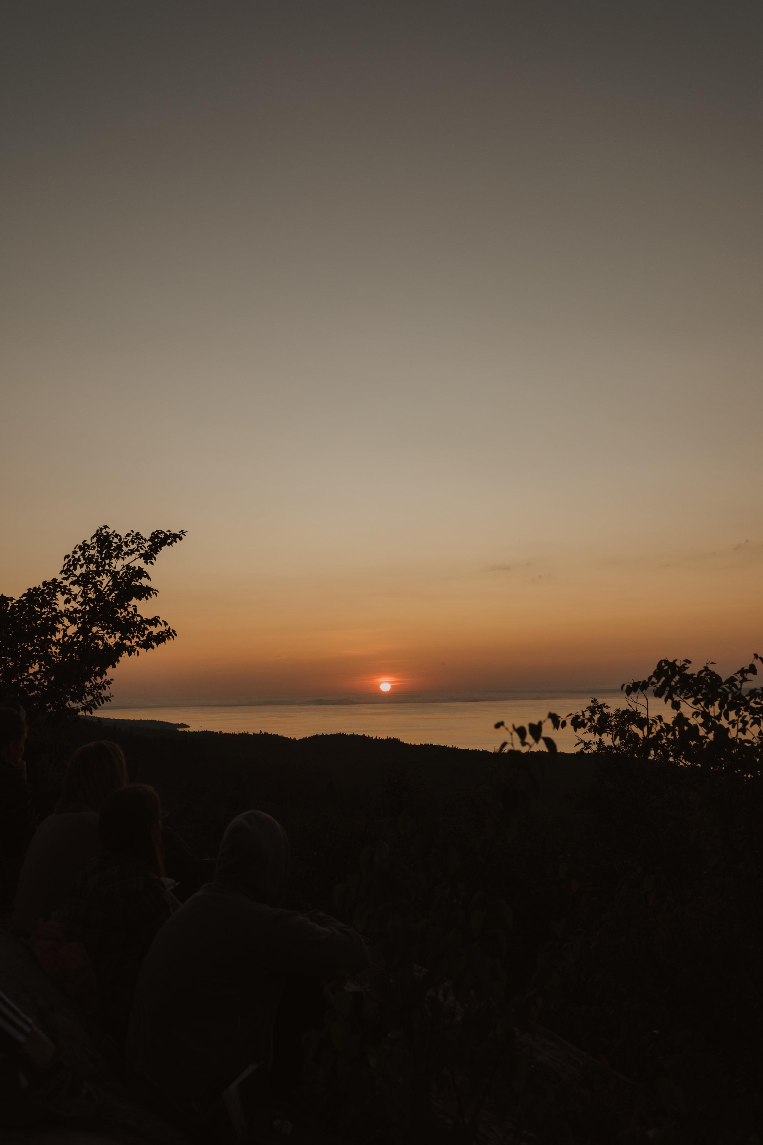 BB- WWYR - Sunrise Hike.jpg
