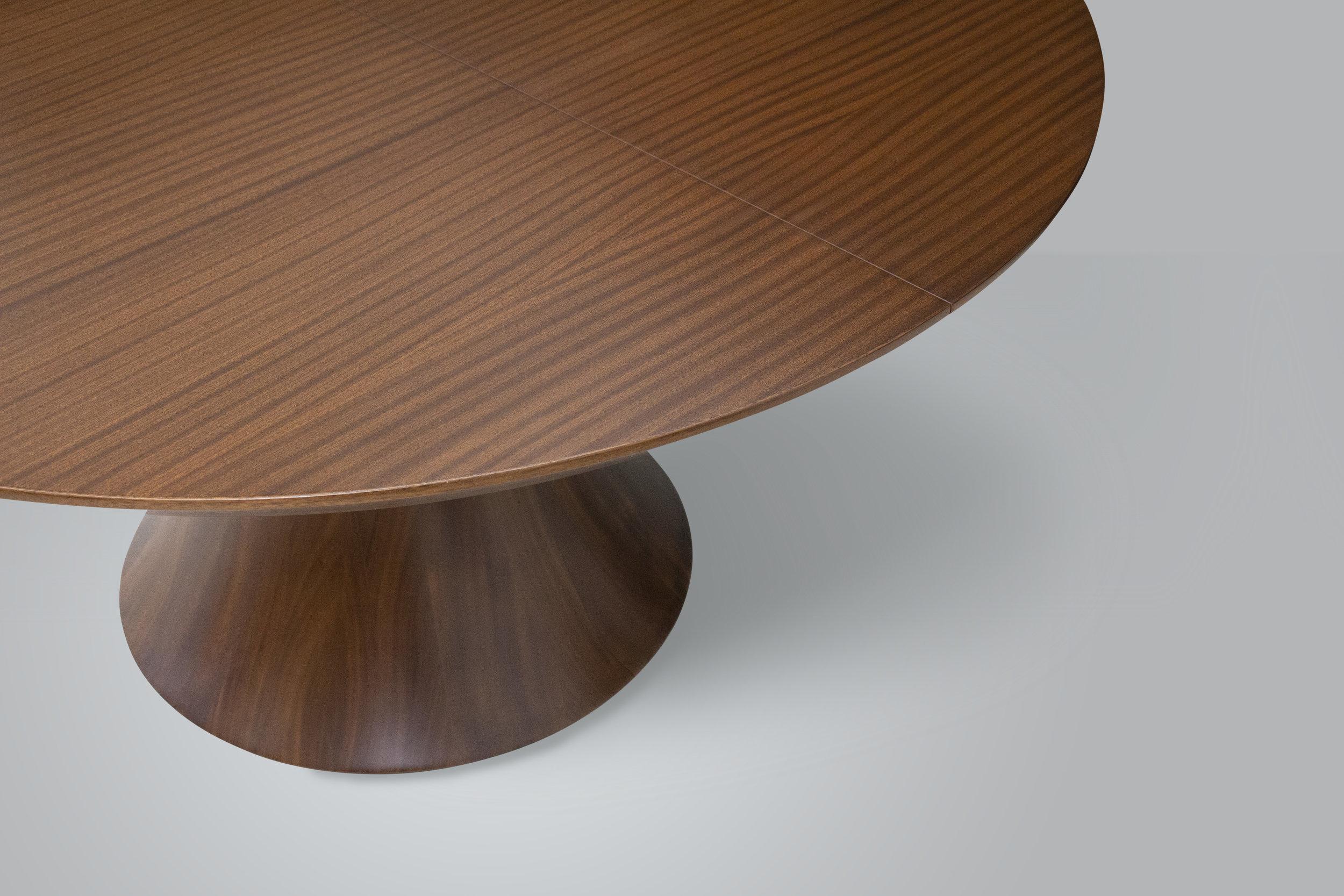 Pedestal Table_4.jpg