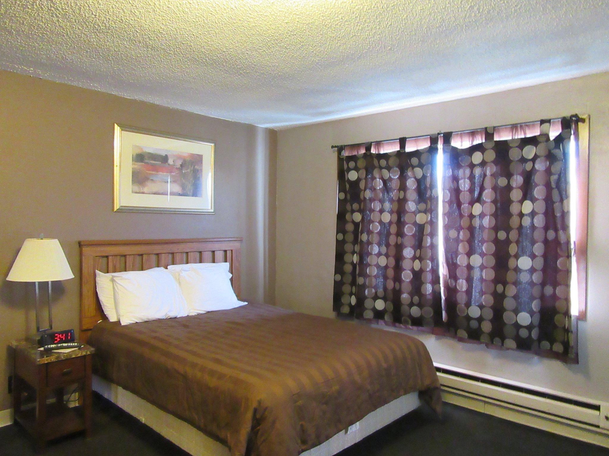 pullman motel2.jpg