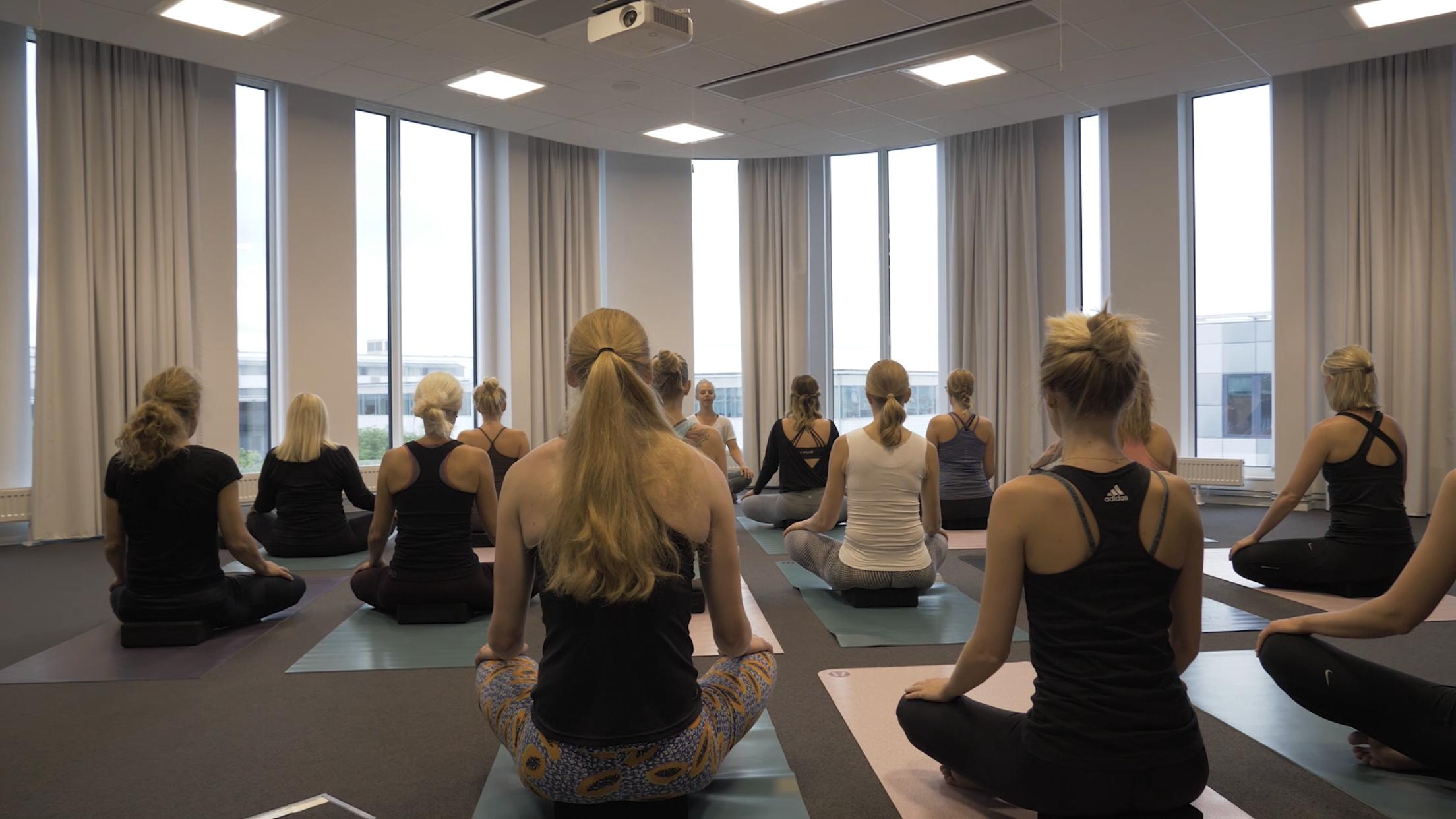 Yoga lindrar vid ryggont.PNG