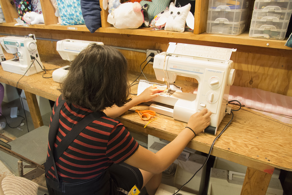 Getting acquainted with the sewing machines.