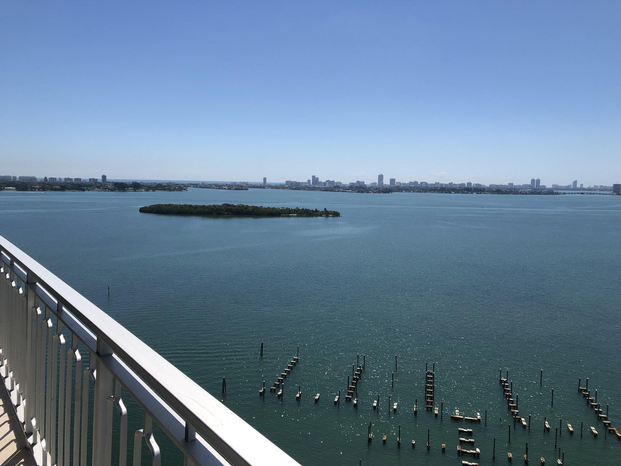 Miami - 11111 Biscayne Blvd #2115