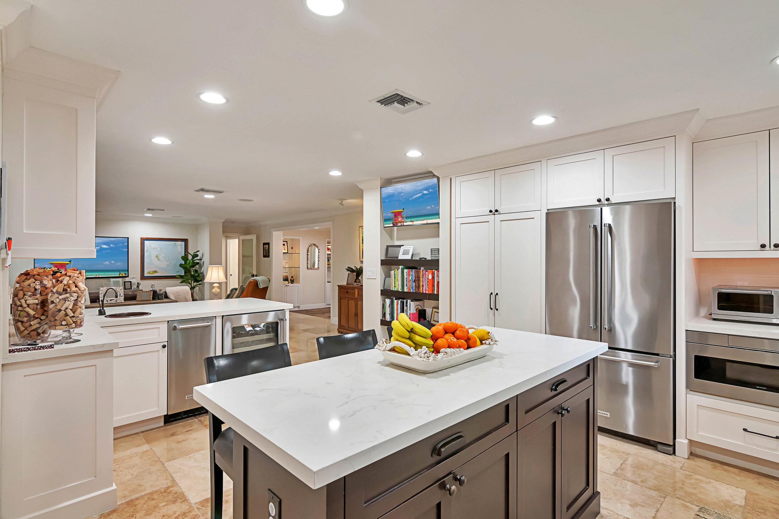 6450 kitchen3.jpg