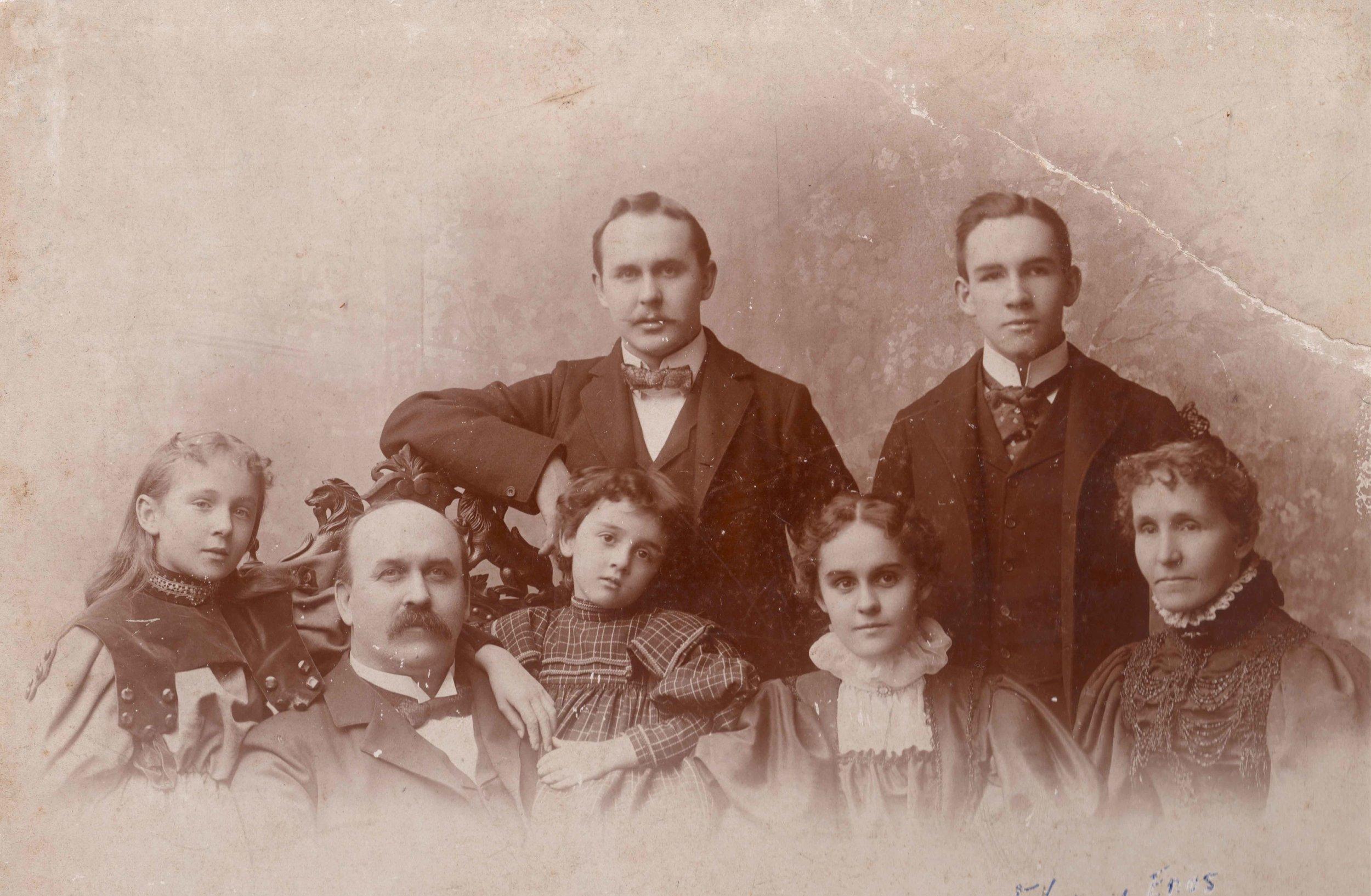 Claflin family.jpg