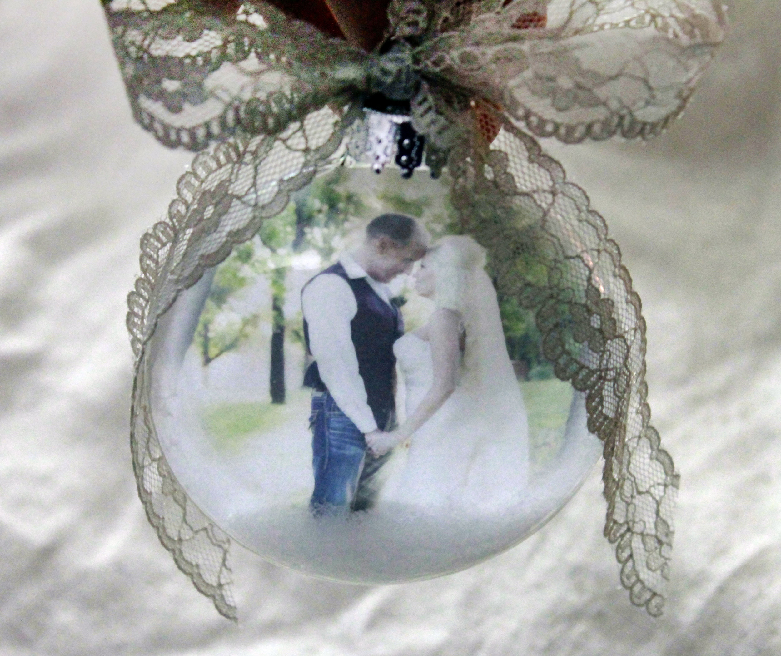 lace bow ornament 4.jpg