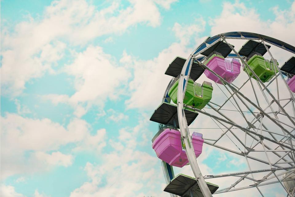 carnival-2456901_960_720.jpg