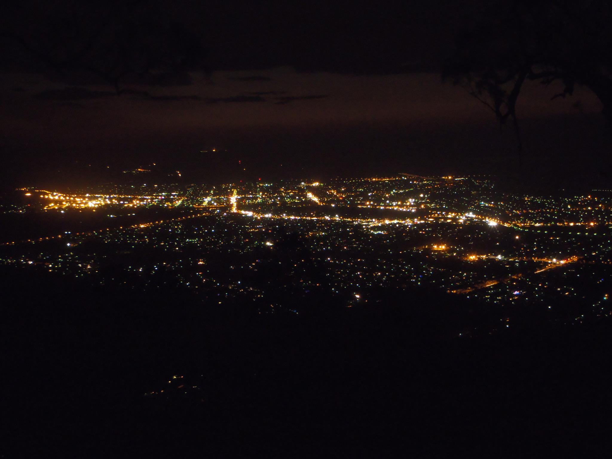 Rockhampton by night, by Kriscmay on Wikimedia Commons, used under CC licence 3.0 ASA.