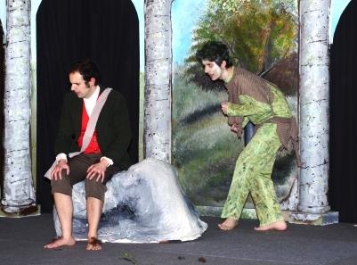 Gollum riddles with Bilbo.