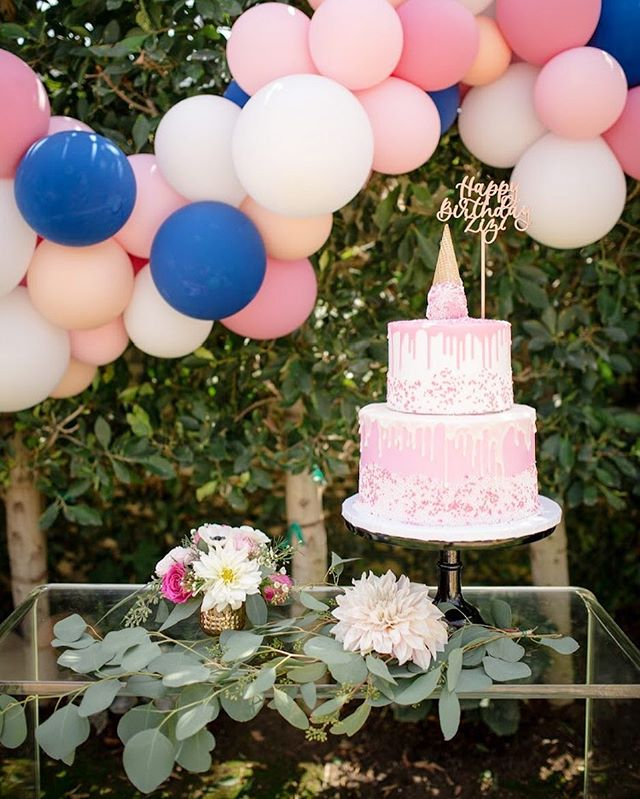 Birthday parties, weddings, dinner parties, brunches, holiday parties, you name it @palmsandpetals caters to all your floral needs!  #birthdaycake #birthdayflowers #birthdayparty #birthday #parties #events #weddings #weddingflowers #flowers #pink #cake #dinnerparty #florals #flowers #oc #florist #ocflorist #brunch