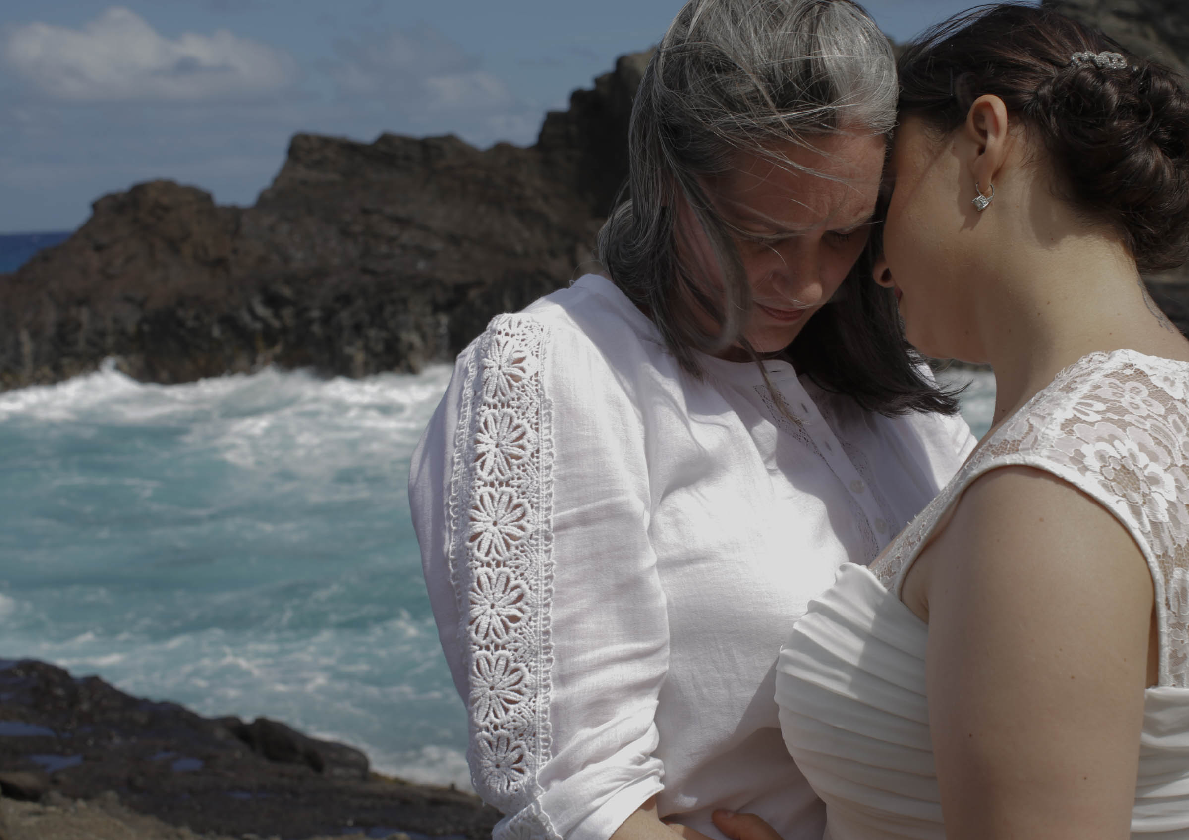 beautiful_hawaiian_lgbt_wedding-33.jpg