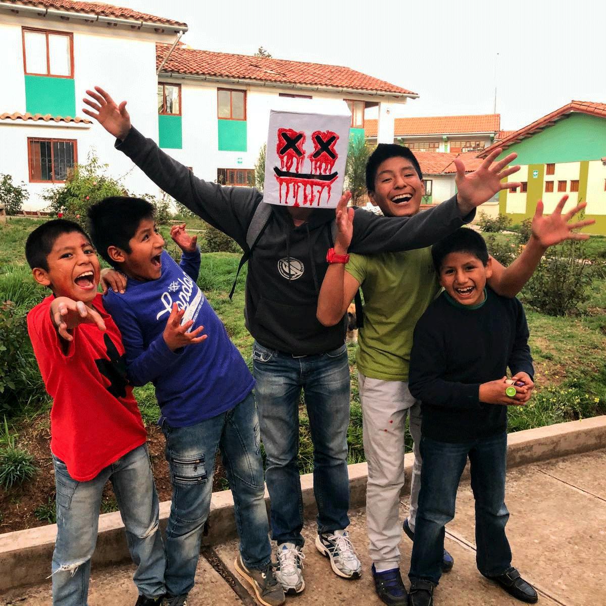 Contacta-al-voluntariado-en-Peru.png