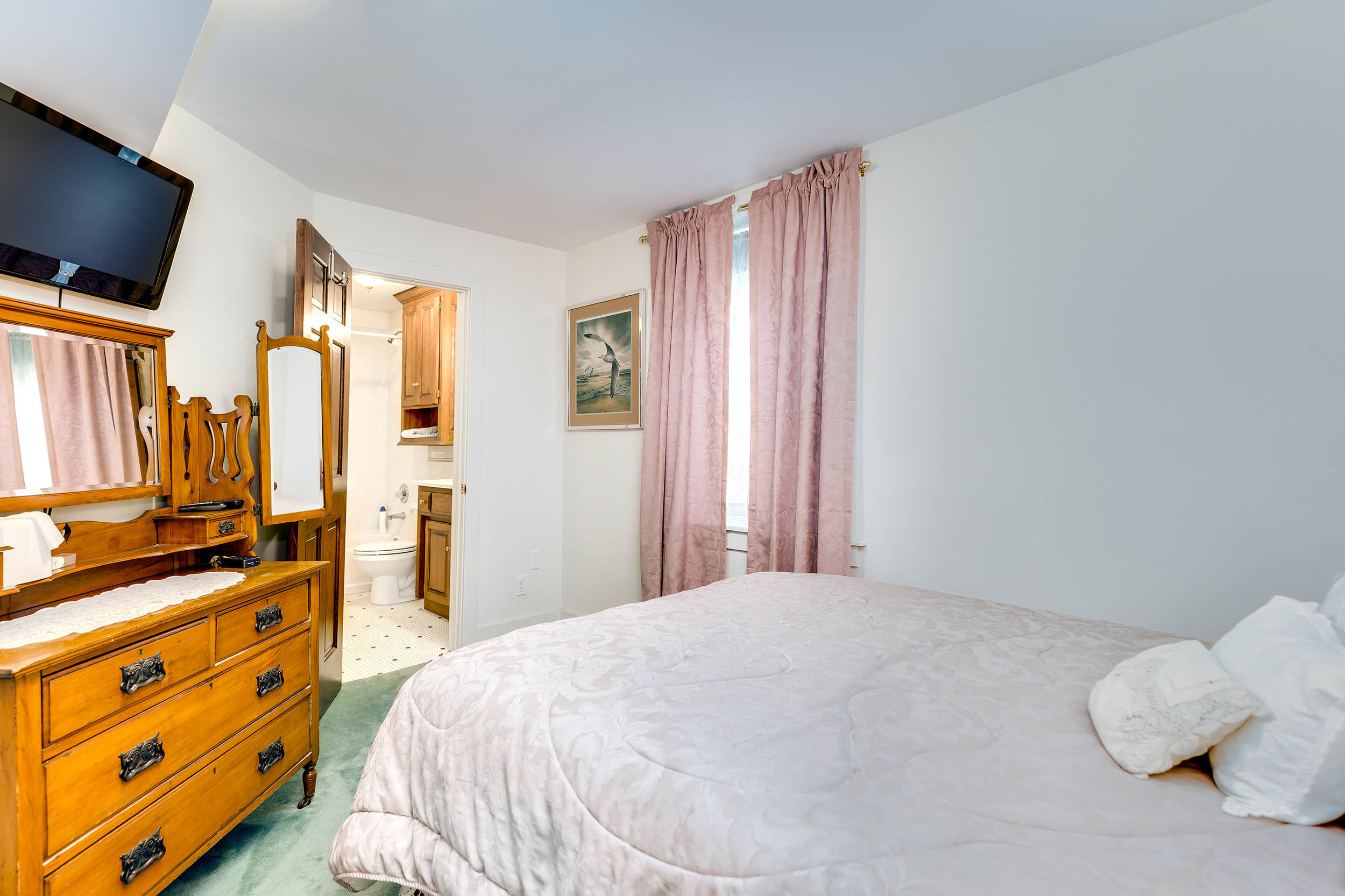 Bedroom (and full bathroom) - Lower Level