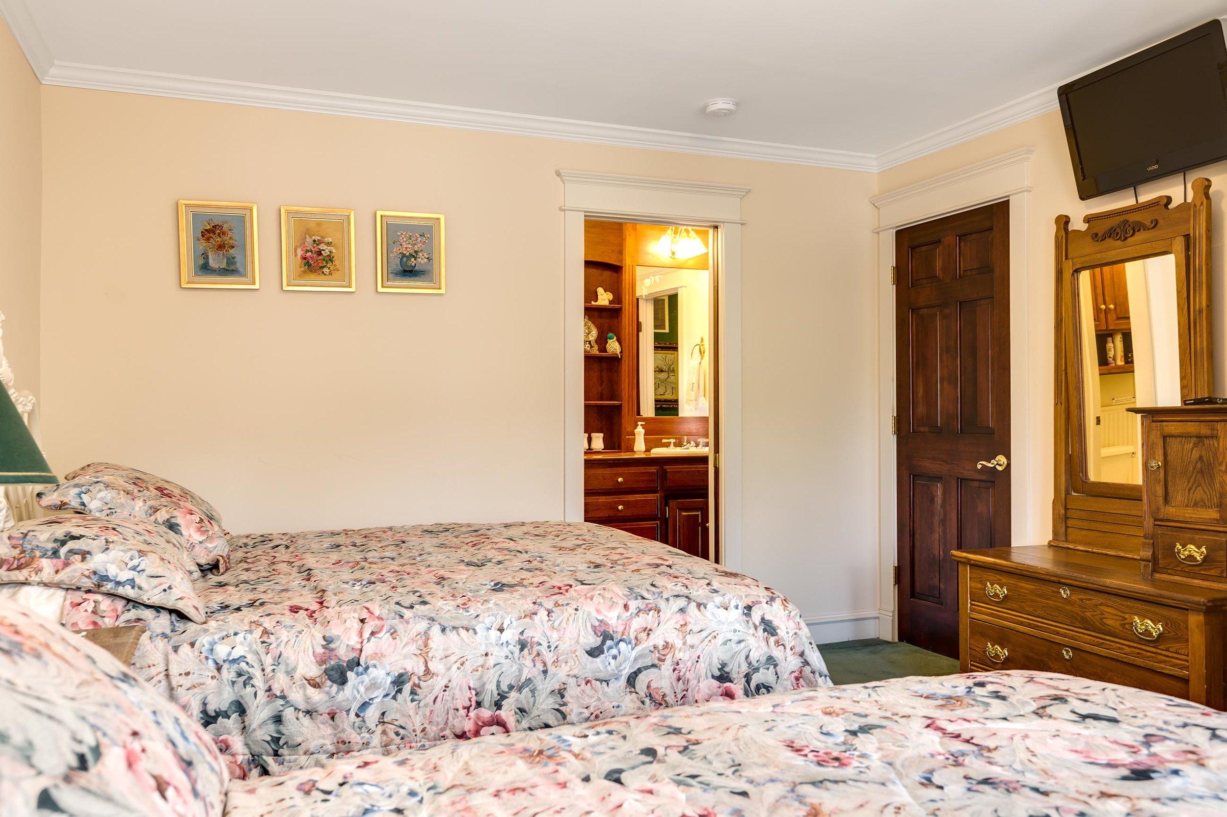 Bedroom - Mid Level