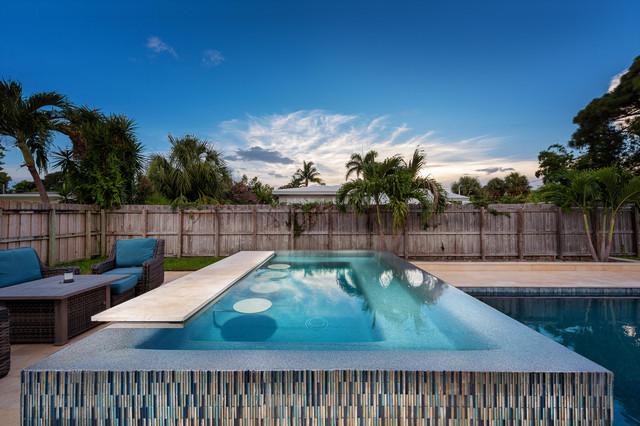 Ikes Carter Pools - Oakland Park, FL