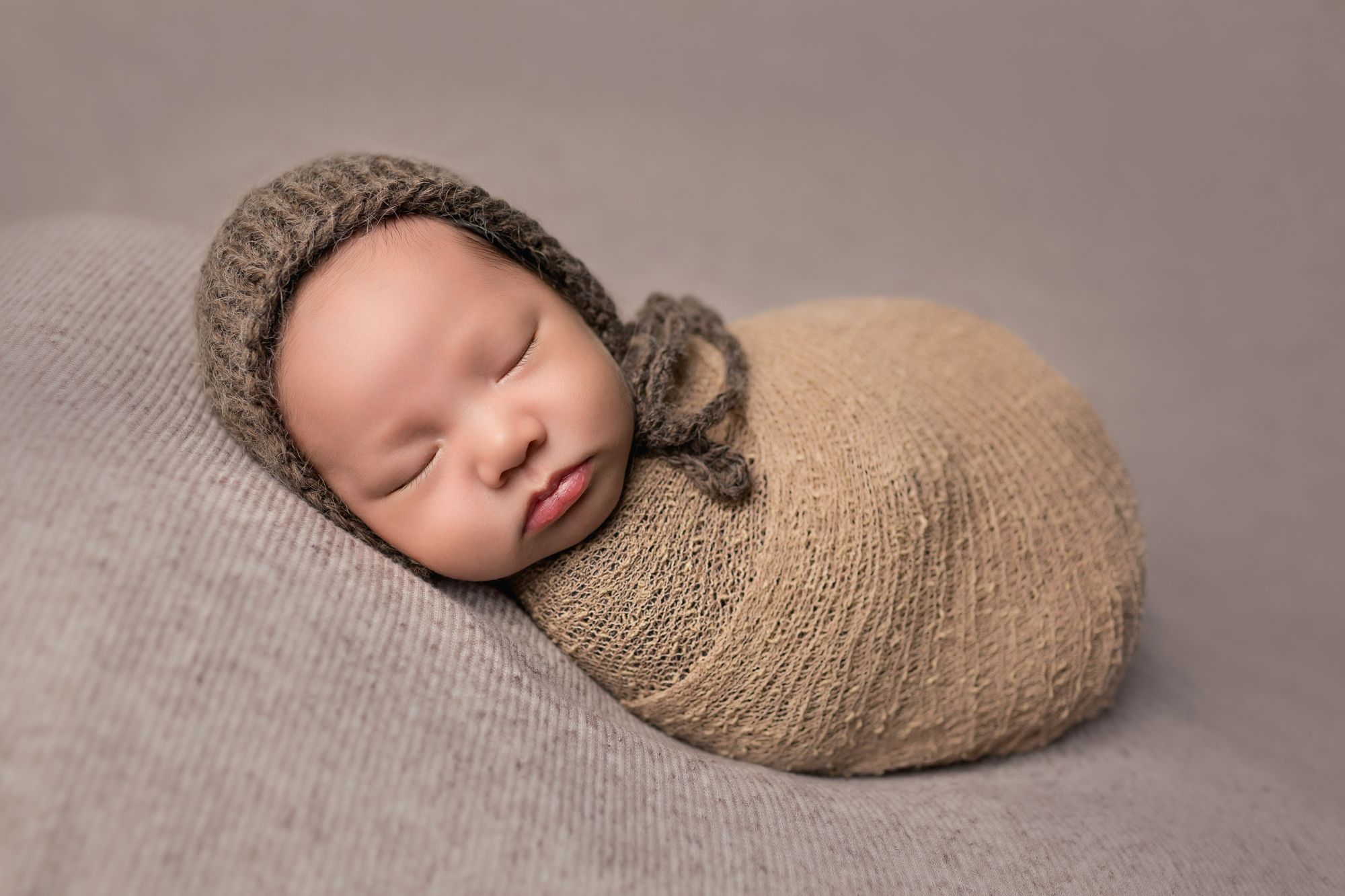 Newborn Photographer in San Diego captures beautiful baby pictures