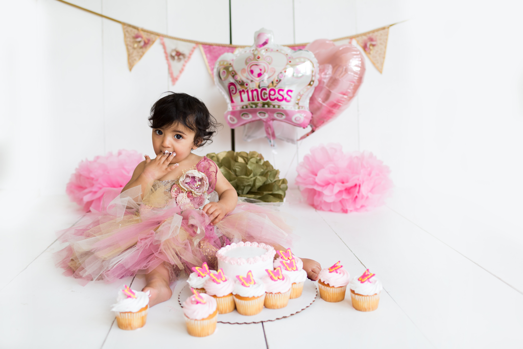 Studio Freyja captures cake smashes in her San Diego Photography Studio for baby girls Milestone Session