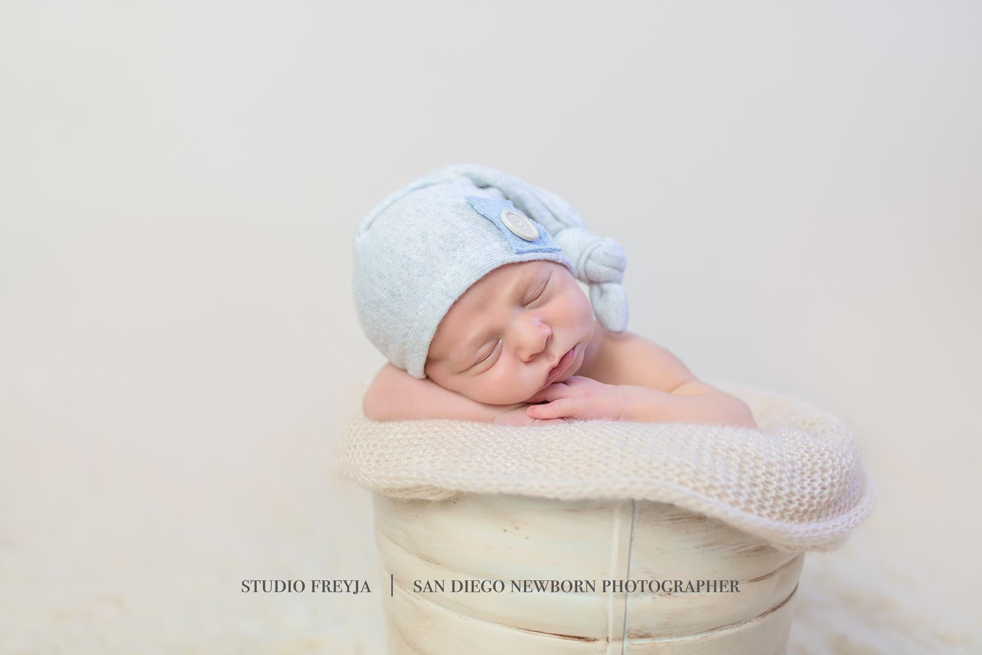 Max Newborn Pictures Copyright Studio Freyja (39 of 70).jpg