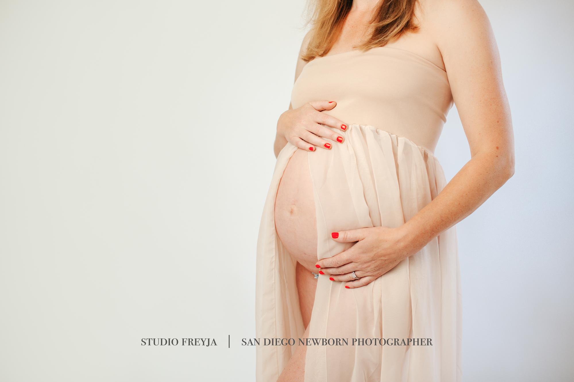 Kim L Maternity Pictures Copyright Studio Freyja (4 of 34).jpg