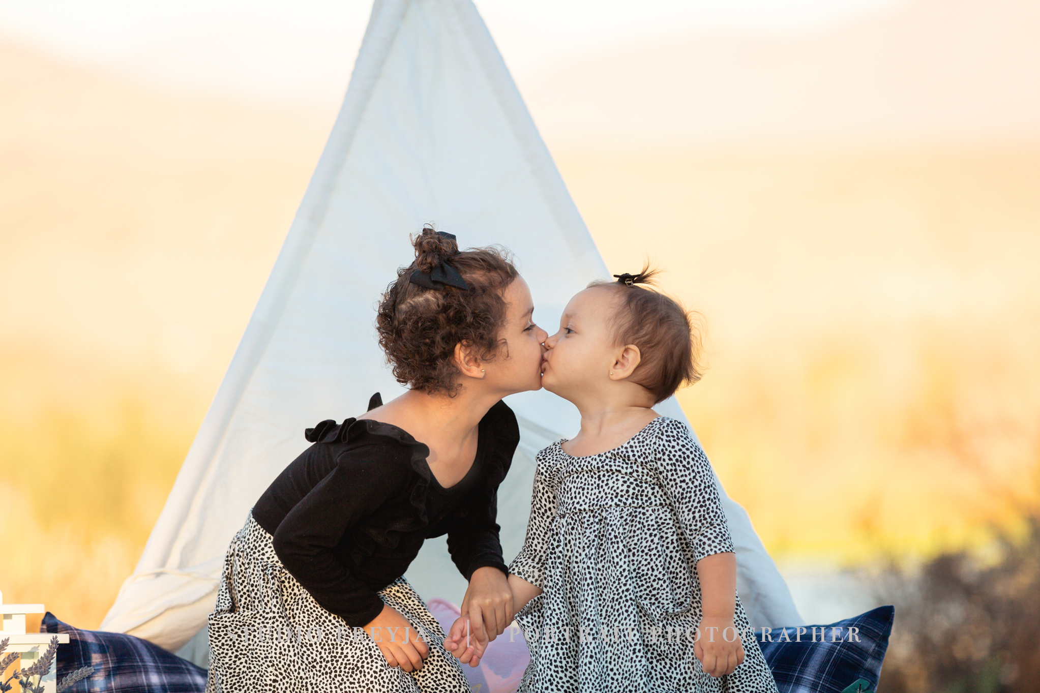 Sibling love during San Diego Family Pictures