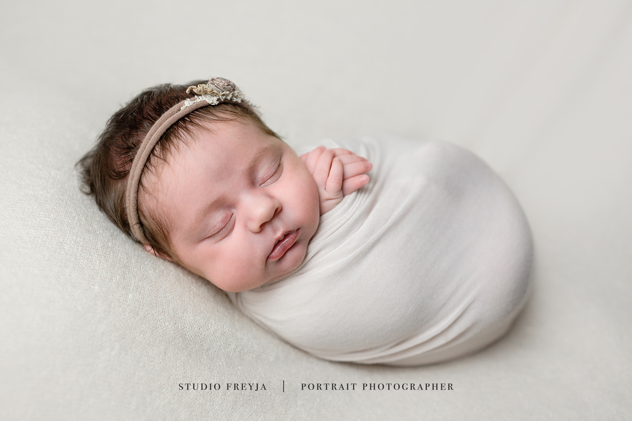 Brookly Newborn Pictures Copyright Studio Freyja-29.jpg